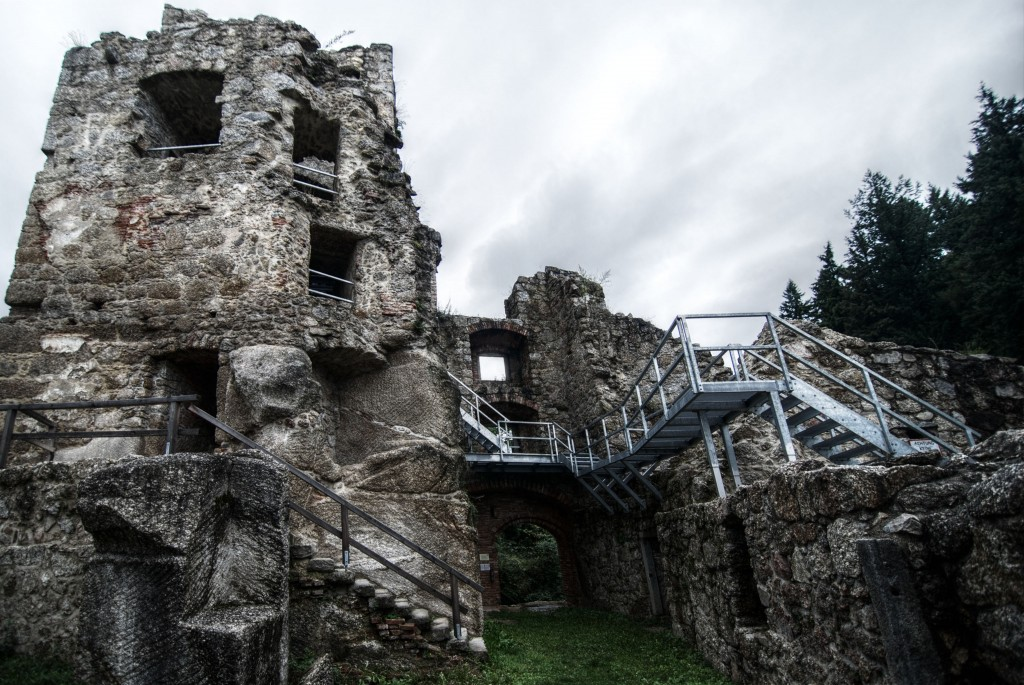 Burg_Innen_small